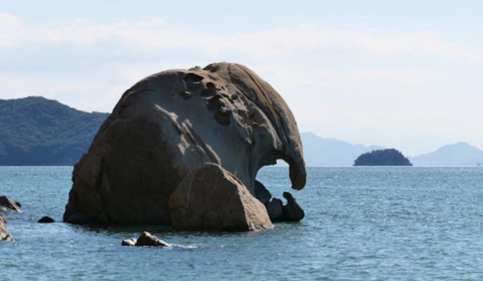 特別天然記念物「象岩」