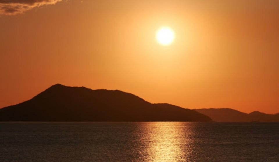 島の夕焼け2