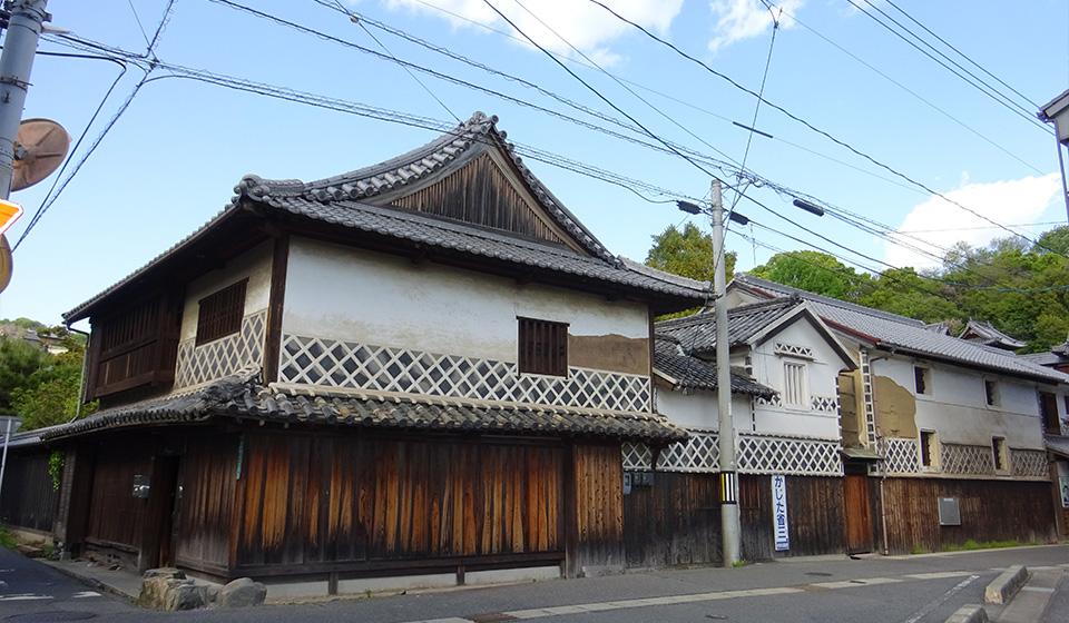 通りに面した古民家