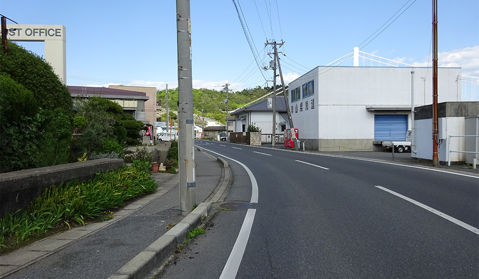 湾岸道路(東向き)