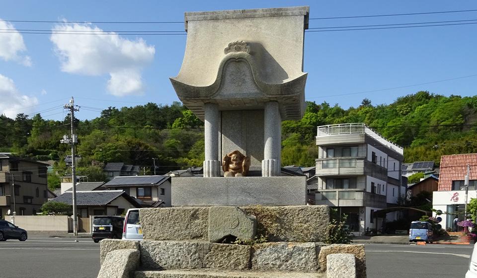 海岸に祭られている神社